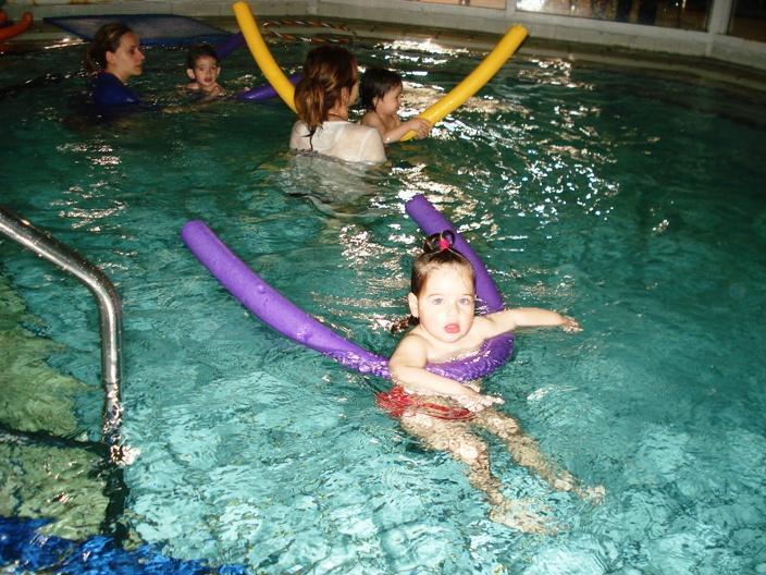 κολύμβηση για μωρά από τους Ιχθείς Aqua Club - Baby Swimming Thessaloniki