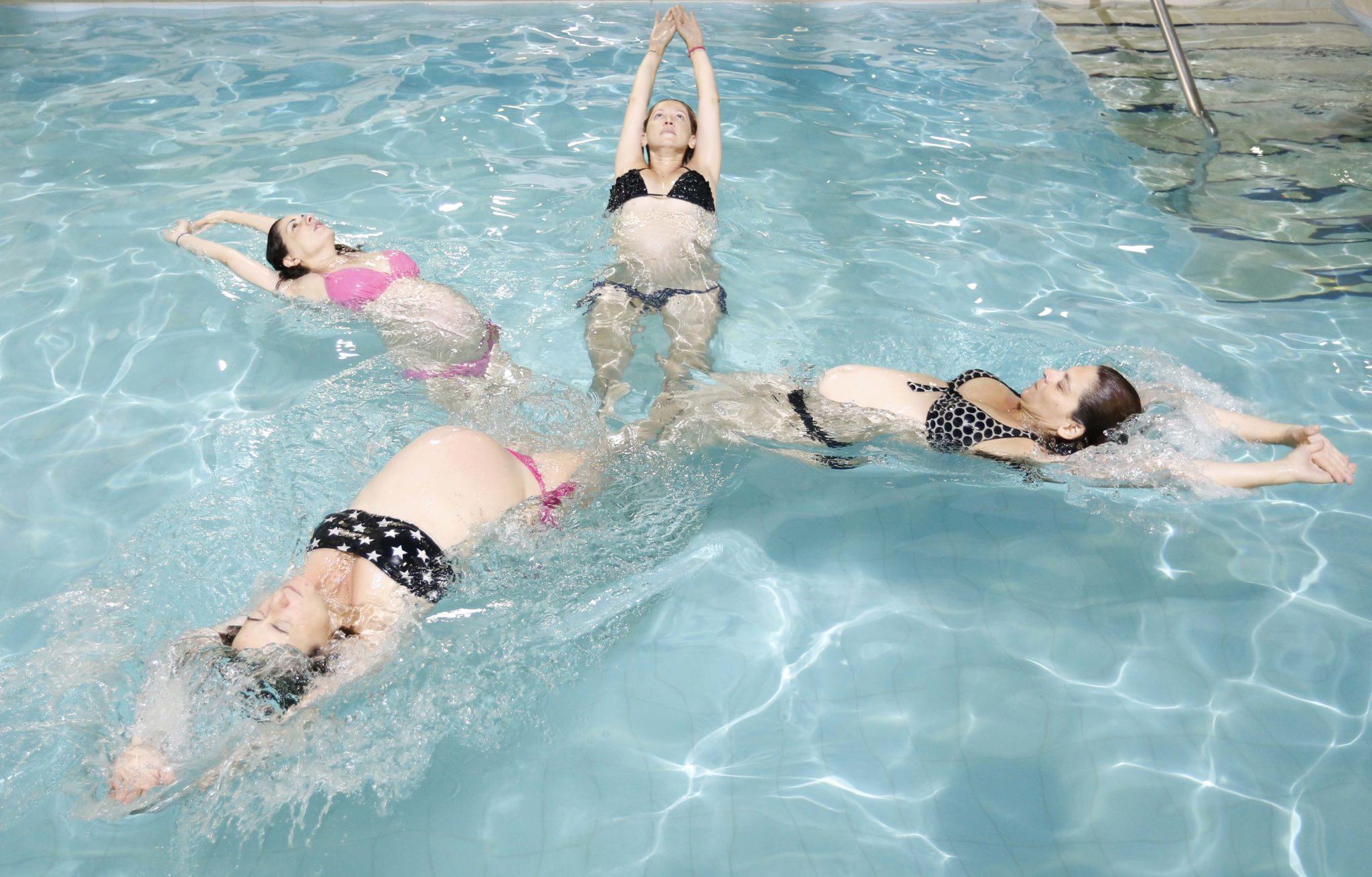 Aqua Yoga για εγκύους στη Θεσσαλονίκη -aqua yoga για εγκύους από τους Ιχθείς Aqua Club - Baby Swimming Thessaloniki