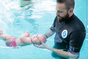 Μωρά μέσα στο νερό
