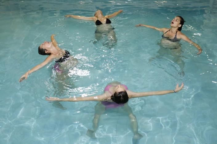 Δραστηριότητες για εγκύους - aqua yoga για εγκύους από τους Ιχθείς Aqua Club - Baby Swimming Thessaloniki
