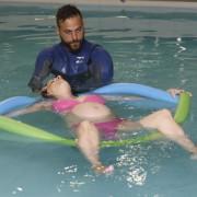 Aqua yoga για εγκύους εύκολη γέννα