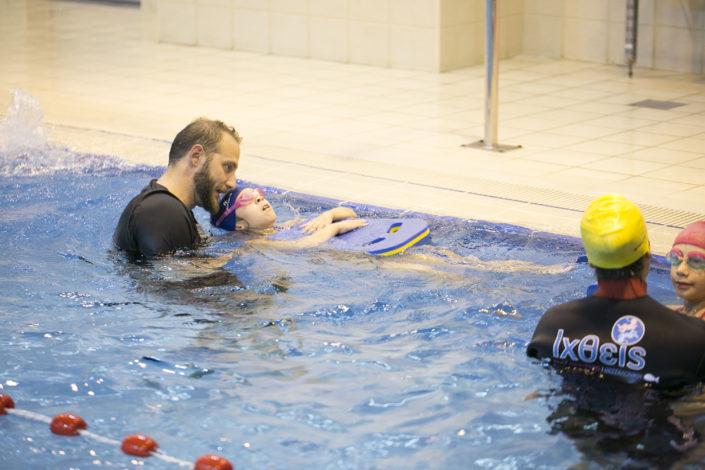 Κολύμβηση για παιδιά από 3 ετών στην πισίνα της EUROMEDICA - Αρωγής από τους Ιχθείς Aqua Club - Baby Swimming Thessaloniki