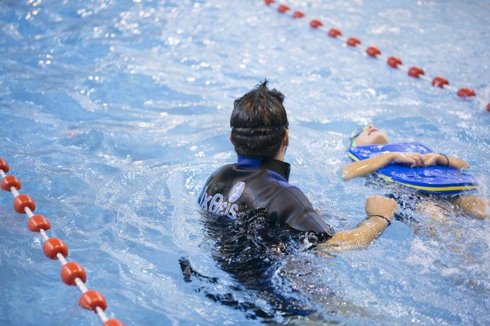 Κολυμβητήριο για παιδιά 4 ετών στην πισίνα της EUROMEDICA - Αρωγής από τους Ιχθείς Aqua Club - Baby Swimming Thessaloniki
